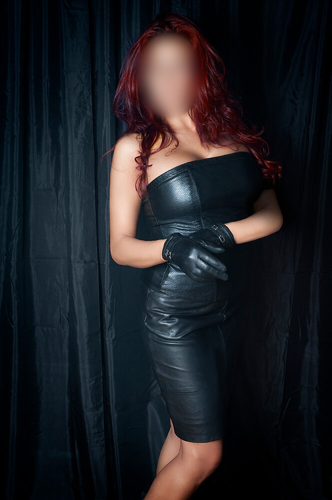 Kerker | | Domina Lady Leyla Frankfurt